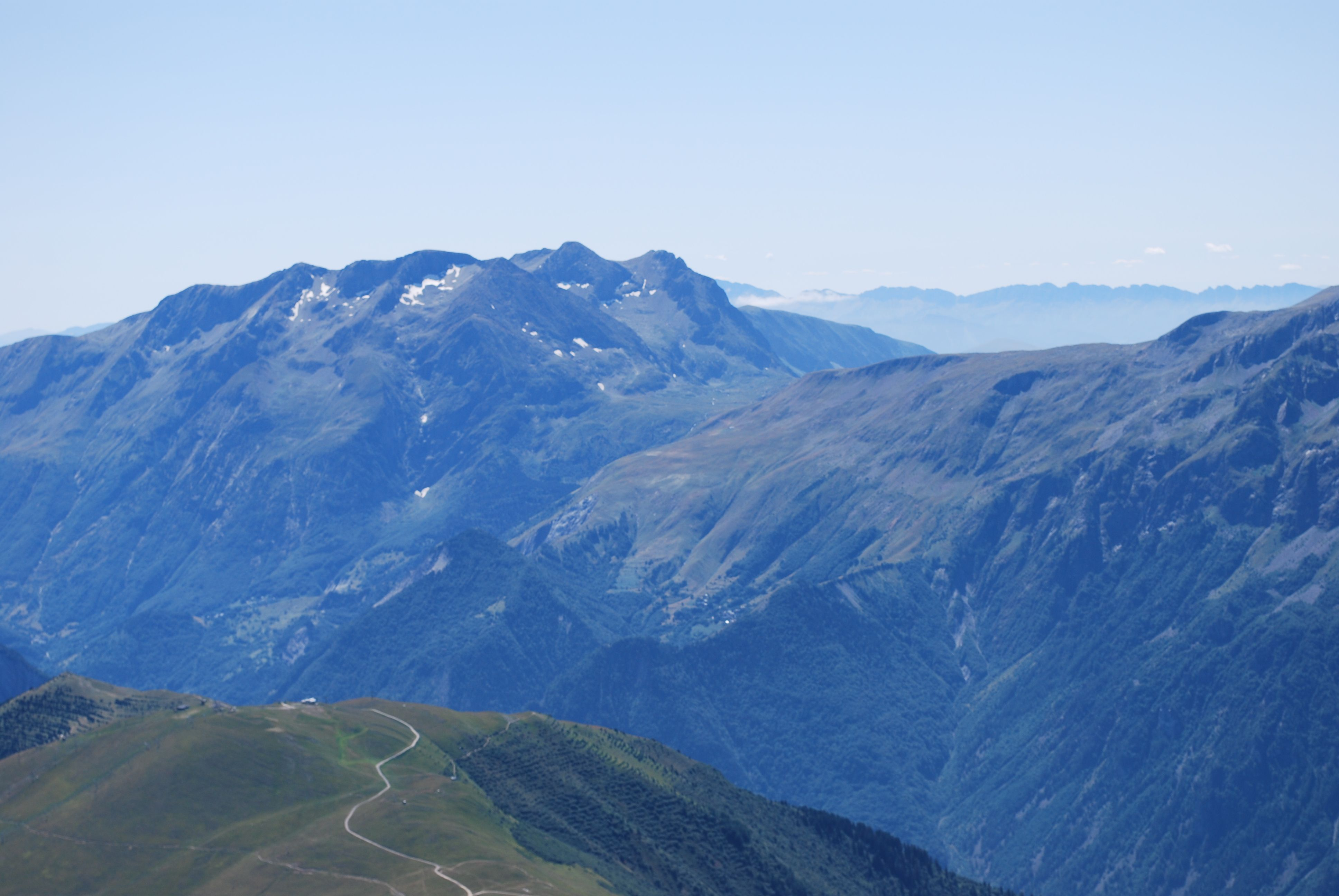 La montagne for Distri center la montagne